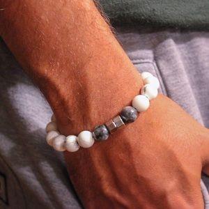 Men's bracelet Howlite and dark Labradorite